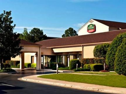 host hotel fayetteville